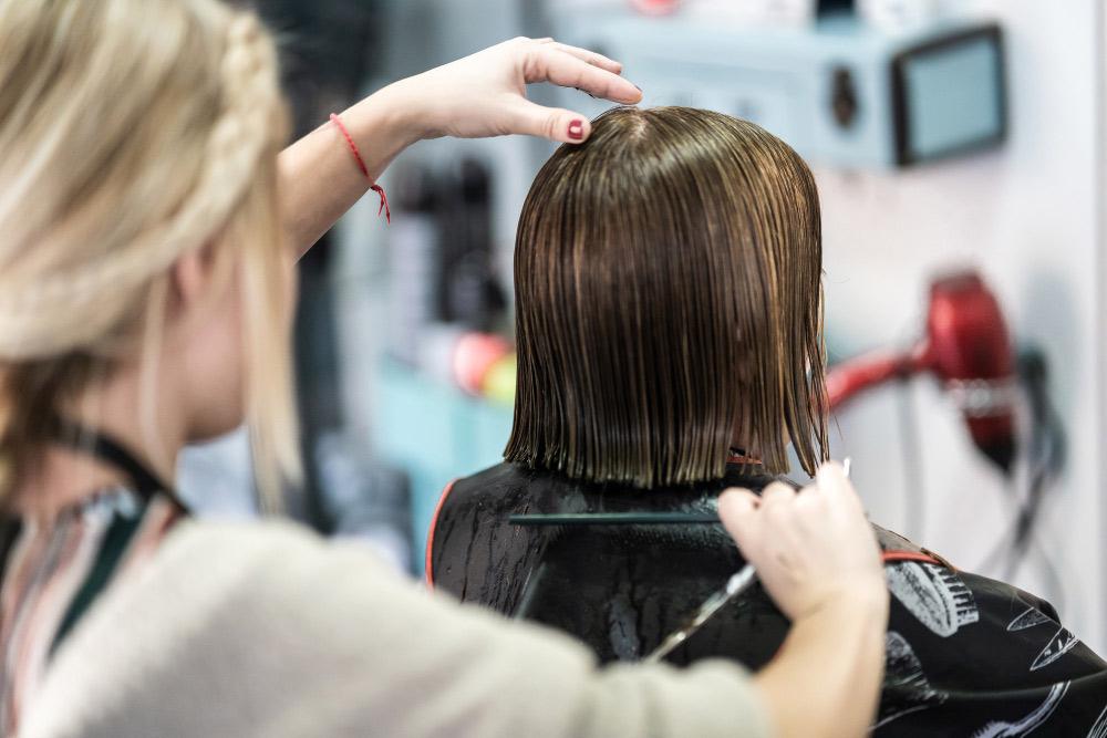 Cheveux courts et coupés : toutes les coupes possibles